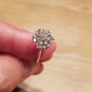 Jewelry - Diamond cluster ring